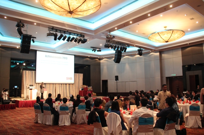 Event date 日期 : 17th January 2014 Performers 表演嘉宾: Malcolm Music Live Band Company 公司: SK Brothers Realty (M) Sdn Bhd Event venue 地点: Eastin Hotel, PJ Website: http://www.skbrothers.com/