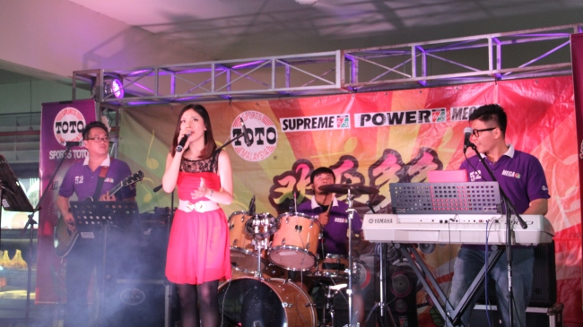 best live band in malaysia, best wedding live band in kl, best wedding live band in malaysia, Kuala Lumpur, langkap, live band service, Malcolm music, malcolm music live band, perak, sports toto, the wedding band, wedding, wedding band in kl, wedding live band, wedding live band in kl, Wedding reception, wedding singer, wedding singer in kl, 无穷音乐,不插电乐队,婚宴,歌手,婚宴歌手,乐队,吉隆坡乐队,best wedding live band, 欢乐多多音乐会,ipoh, first garden, ipoh first garden, gp food court, gp城中城美食中心,
